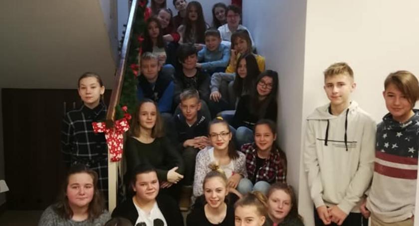 Szkoły podstawowe, Pomocnicy Mikołaja Brześciu Kujawskim - zdjęcie, fotografia
