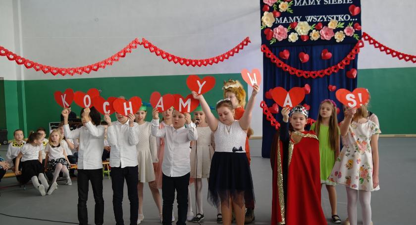 Szkoły podstawowe, Dzień Babci Dziadka Brześciu Kujawskim - zdjęcie, fotografia