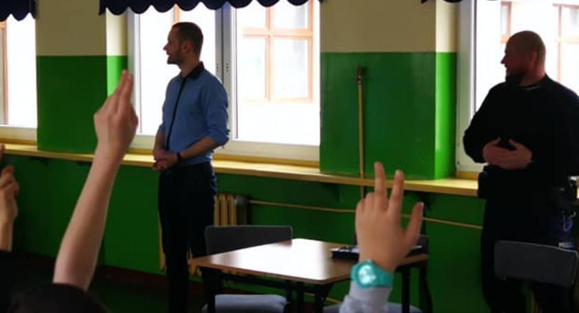 Szkoły podstawowe, Warsztaty Brześciu Kujawskim temat uzależnień Internetu - zdjęcie, fotografia