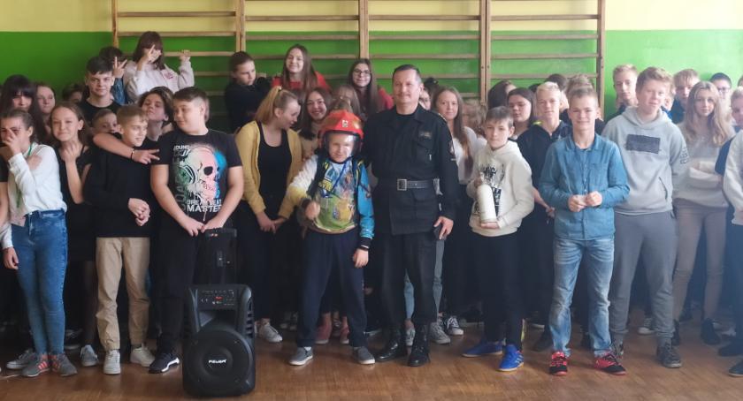 Szkoły podstawowe, Spotkanie strażakami Brześciu Kujawskim - zdjęcie, fotografia