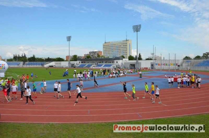 Biegi, Miting Uśmiech Dziecka Stadionie Włocławku - zdjęcie, fotografia