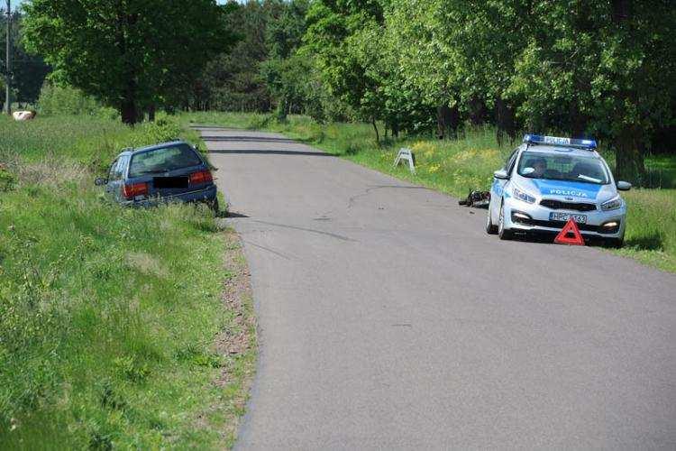 Wypadki drogowe, Wypadek udziałem motorowerzysty Kierujący trafił szpitala - zdjęcie, fotografia