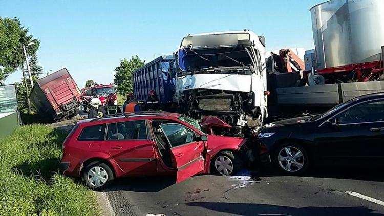 Region_, Zderzenie samochodów ciężarowych dwóch osobowych regionie [ZDJĘCIA] - zdjęcie, fotografia
