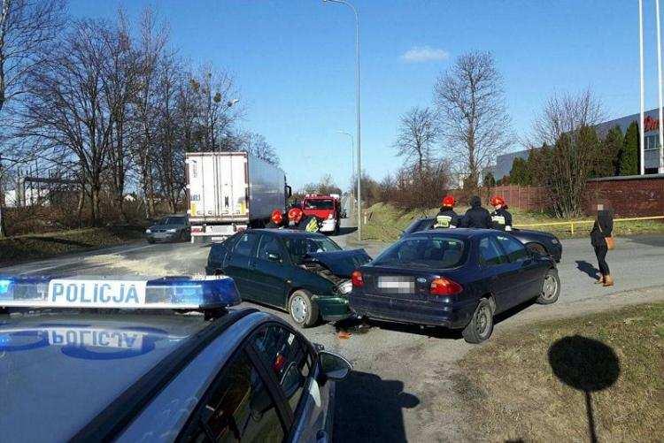 Region_, Wypadek udziałem samochodów Pościg sprawcą osoby szpitalu - zdjęcie, fotografia