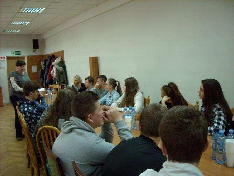Polecamy, Uczniowie szkoły Smólniku próżnują Odwiedzili Urząd Gminy Włocławek - zdjęcie, fotografia