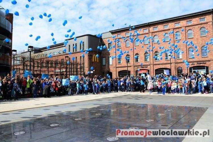 Polecamy, Włocławek znów rozbłyśnie niebiesko Dołącz akcji - zdjęcie, fotografia