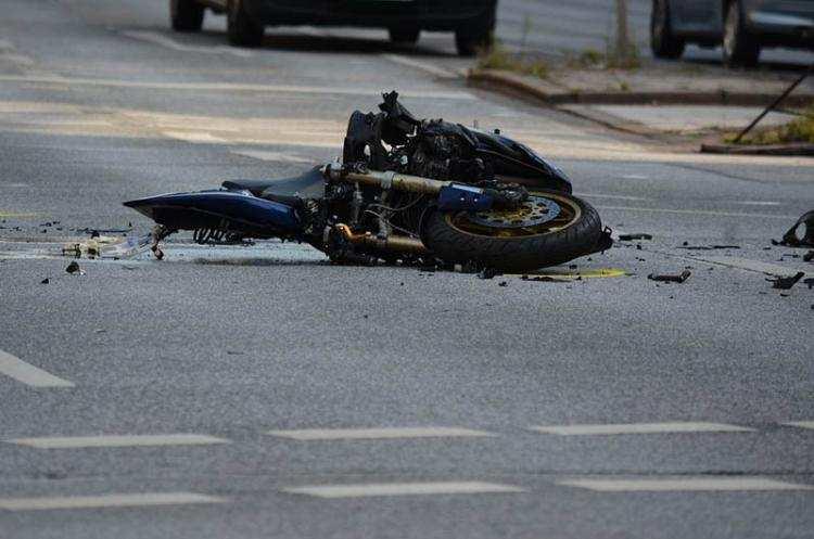 Społeczeństwo, Tragiczny wypadek motocyklisty powiecie włocławskim Ciało leżało motocykla - zdjęcie, fotografia