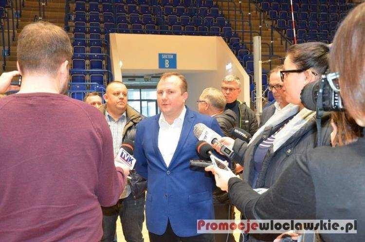 Polityka, Włocławku celowniku Ratusz odpowiada zarzuty - zdjęcie, fotografia