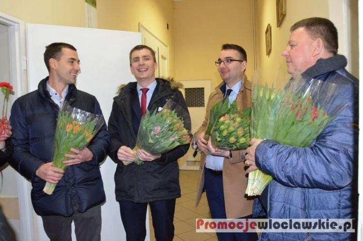 Informacje lokalne, Lewica uczciła Dzień Kobiet Włocławku [ZDJĘCIA] - zdjęcie, fotografia