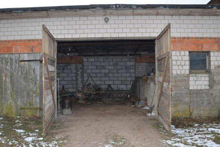 Informacje z regionu, Trzej młodzi sprawcy ukradli ciągnik Łupem cieszyli długo - zdjęcie, fotografia