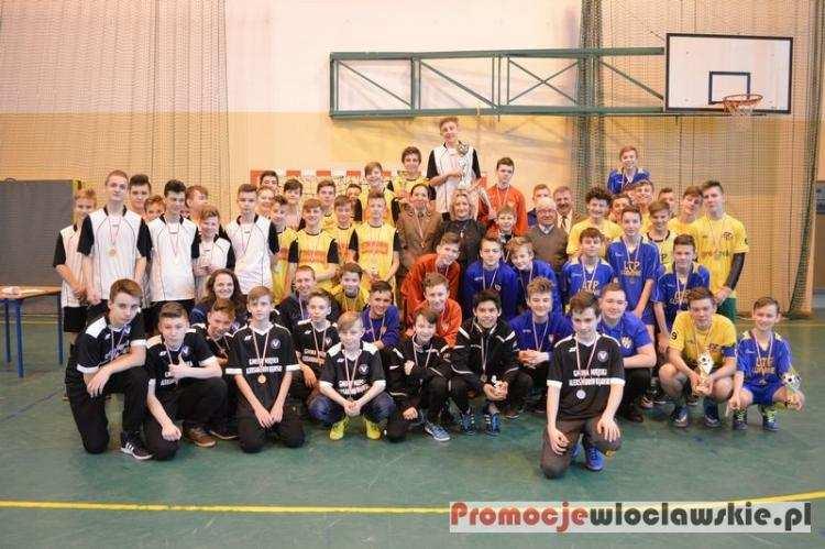 Piłka nożna, Lubaniu rozegrali turniej Puchar Nadleśniczego [ZDJĘCIA] - zdjęcie, fotografia
