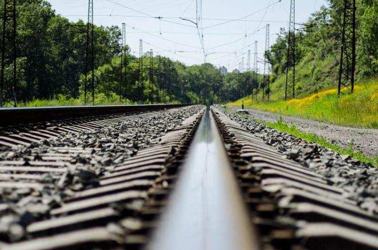 Informacje lokalne, Tragedia torach Mężczyzna zginął kołami pociągu pośpiesznego - zdjęcie, fotografia