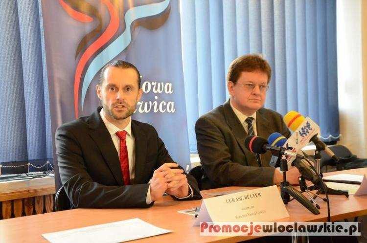 Polityka, Mają dość Chcą zebrać tysięcy podpisów Rusza akcja Włocławku - zdjęcie, fotografia