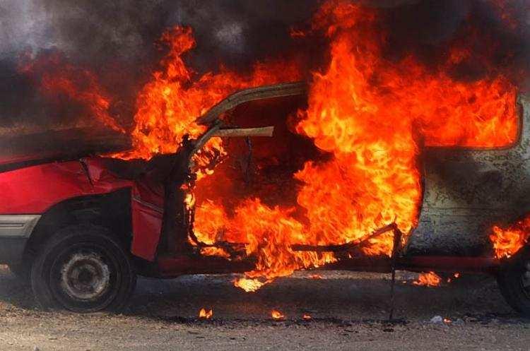 Społeczeństwo, Pożar samochodu osobowego Gminie Choceń - zdjęcie, fotografia