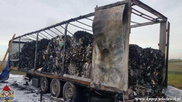Ludzie_, Pożar autostradzie Zapaliła naczepa ciągnika siodłowego [ZDJĘCIA] - zdjęcie, fotografia