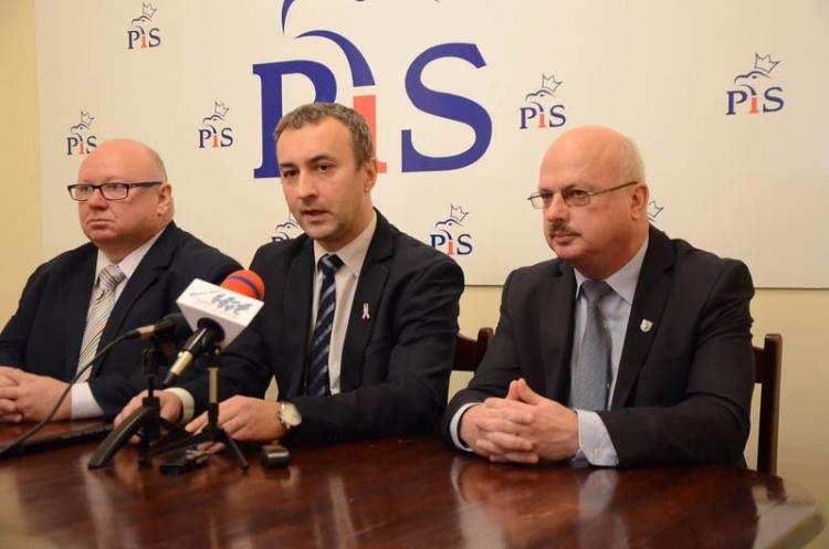 Polityka, czeka powołanych dyrektorów włocławskich placówek oświatowych decyzja Sądu - zdjęcie, fotografia