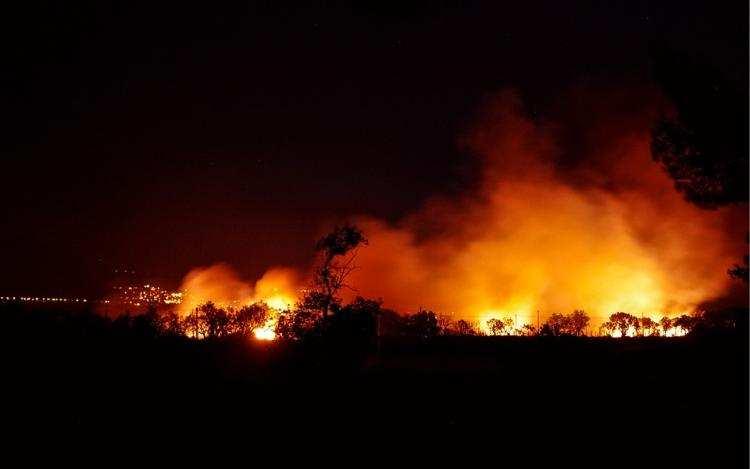 Społeczeństwo, Sprawcy podpalenia słomy terenie Gminy Izbica Kujawska zatrzymani - zdjęcie, fotografia
