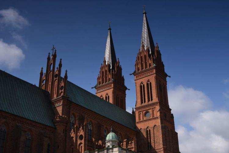 Ludzie_, Rusza akcja zbierania podpisów kościołach Weźmiesz sobą dowód - zdjęcie, fotografia
