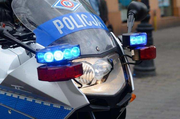 Ludzie_, Pościg powiecie włocławskim Kierowca uciekał przed policyjnymi motocyklami - zdjęcie, fotografia