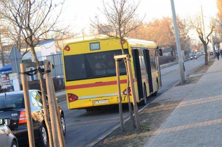 Ludzie_, biletu autobusem Włocławku piątek - zdjęcie, fotografia