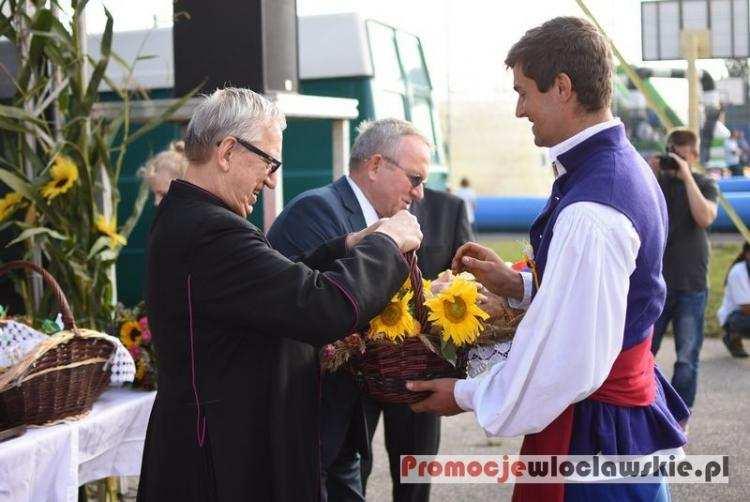 Ludzie_, Dożynki Brześciu Kujawskim Burmistrz apeluje Brzeska Strefa rozwija nadal - zdjęcie, fotografia