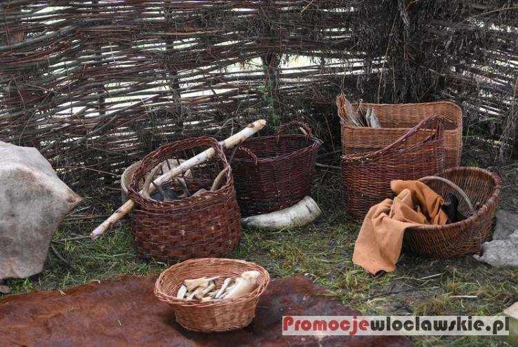 """Rozrywka, Impreza regionie Niezwykła podróż epoki Kujawskich Piramid """"Wehikuł czasu"""" niebawem! - zdjęcie, fotografia"""