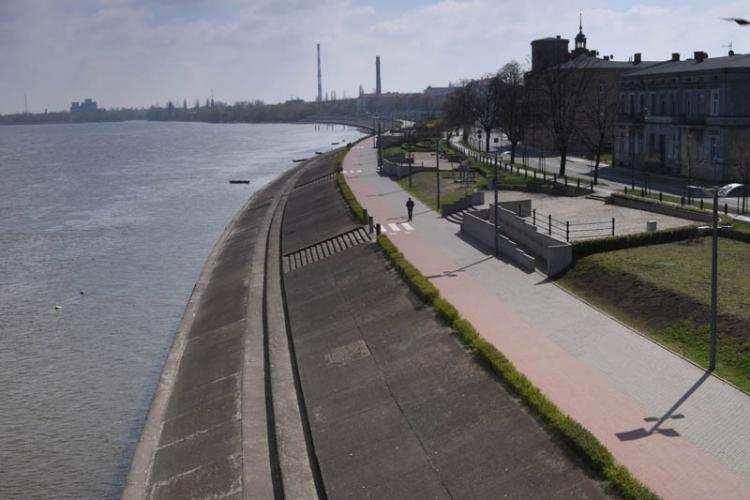 Ludzie_, Takich łodzi Włocławku jeszcze było sobotę Bulwarach największy - zdjęcie, fotografia