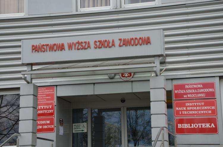 Szkoły, Włocławku rozszerza ofertę studiów proponują - zdjęcie, fotografia