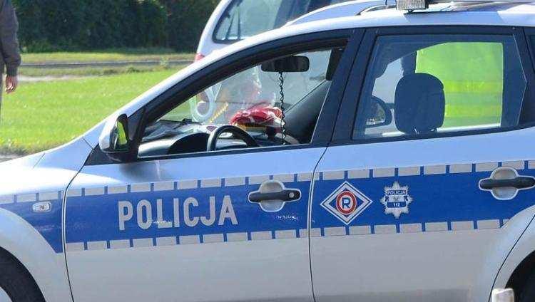 Informacje z regionu, Policyjny pościg kierowcą motocykla latek uderzył radiowóz - zdjęcie, fotografia