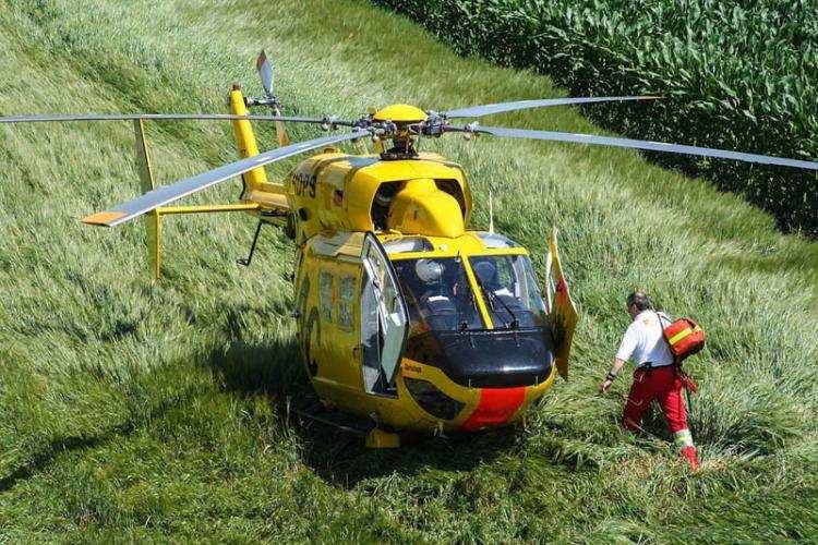 Informacje z regionu, Śmigłowiec pogotowia akcji Chłopiec obrażeniami ciała przetransportowany szpitala - zdjęcie, fotografia