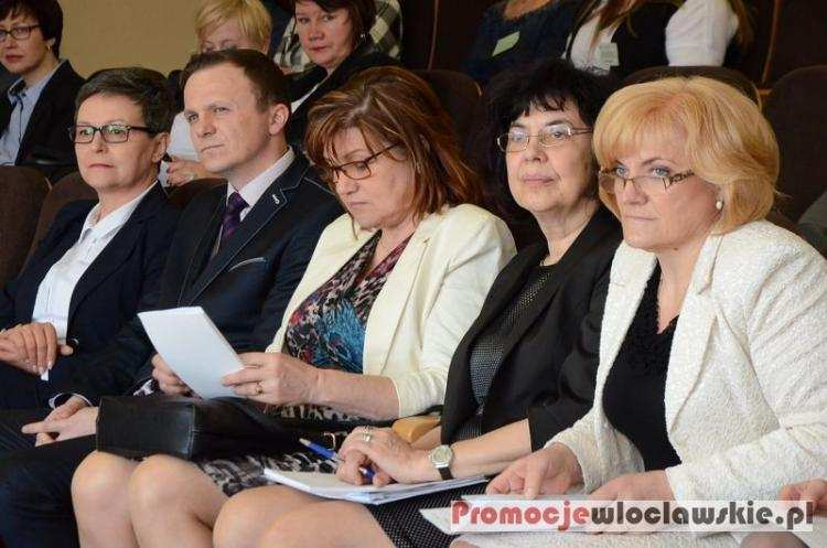 Szkoły, Pielęgniarstwo zawód tradycjami przyszłością zdrowiu rozmawiali Włocławku - zdjęcie, fotografia