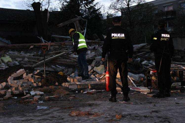 Informacje z regionu, Tragiczna śmierć gruzami Kilkunastometrowa ściana runęła przygniotła pracownika - zdjęcie, fotografia