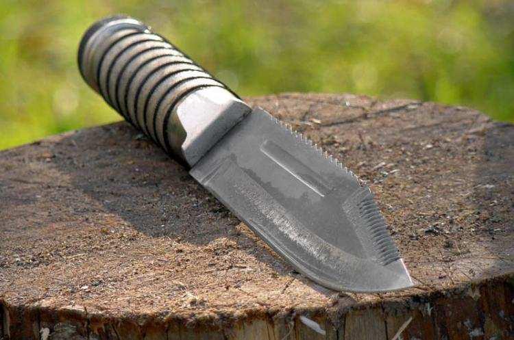 Informacje z Kraju, nożem pracownika latkowi grozi dożywocie - zdjęcie, fotografia
