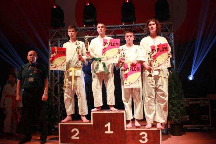 Karate, Włocławski karateka podium - zdjęcie, fotografia
