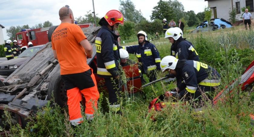 Ludzie_, Ewakuacja szkoły pożar wypadek drogowy Boniewie jednostek straży akcji [ZDJĘCIA] - zdjęcie, fotografia