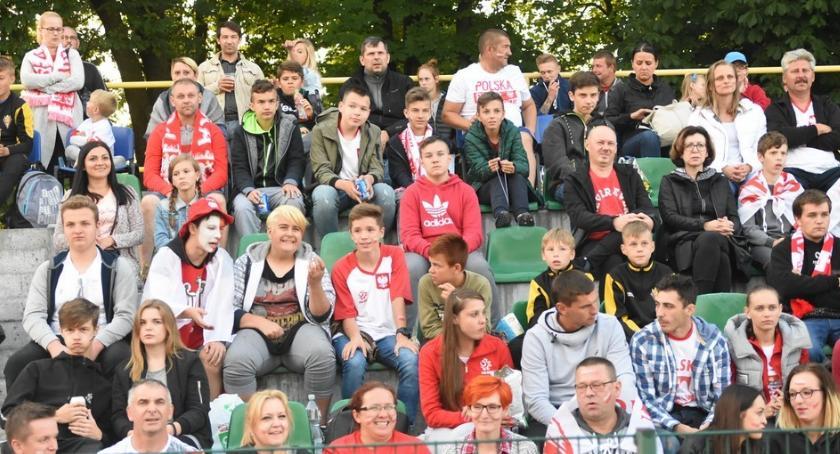 Piłka nożna, Strefa Kibica Brześciu Kujawskim - zdjęcie, fotografia