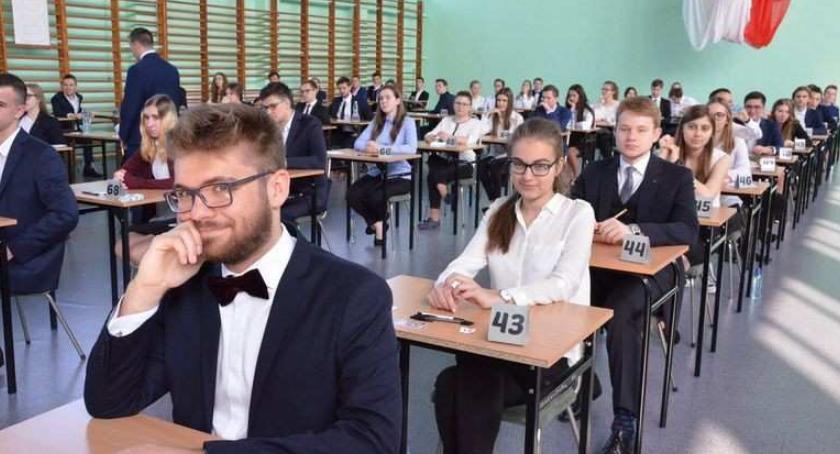 Szkoły średnie, Wyniki matur Włocławku poszło włocławskim maturzystom - zdjęcie, fotografia