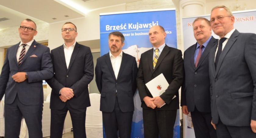 Inwestycje, Modowy potentat buduje centrum logistyczne Brzeskiej Strefie Gospodarczej - zdjęcie, fotografia