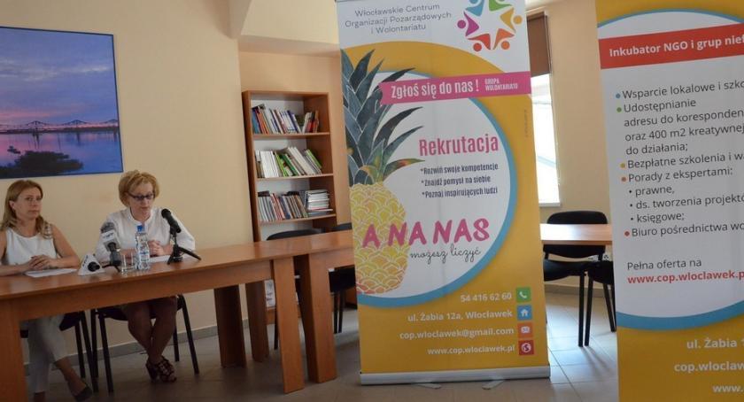 Polecamy, Włocławskie Centrum Organizacji Pozarządowych Wolontariatu zmieniło Wiemy dlaczego - zdjęcie, fotografia