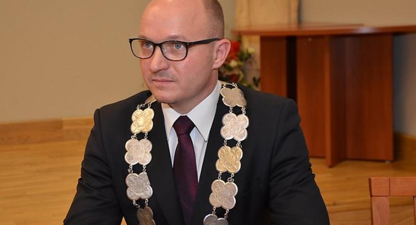 Polityka, Zmiana stołku prezesa włocławskiej spółki Dlaczego odwołano Katarzynę Figel Stolcman - zdjęcie, fotografia