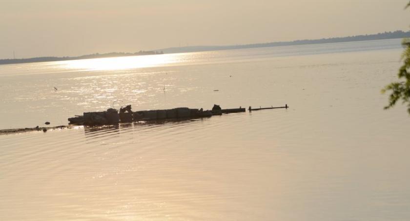 Pływanie, Zakaz kąpieli Jeziorem Czarnym Włocławku odwołany Sinice ustąpiły - zdjęcie, fotografia