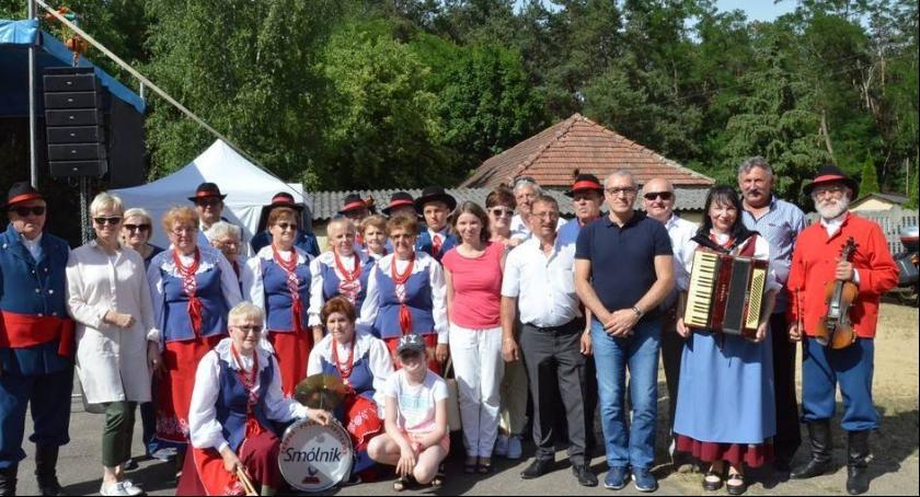 Polecamy, Sukces sukcesem Zespołu Folklorystycznego SMÓLNIK - zdjęcie, fotografia