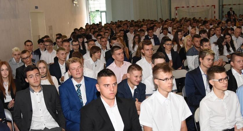 Szkoły średnie, Rozpoczęcie szkolnego Włocławku 2018/2019 [ZDJĘCIA] - zdjęcie, fotografia