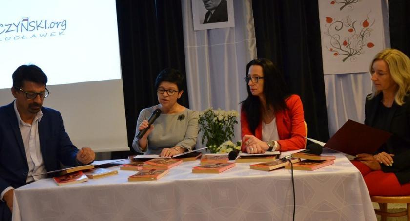 Kultura, Narodowe Czytanie Włocławku [ZDJĘCIA] - zdjęcie, fotografia