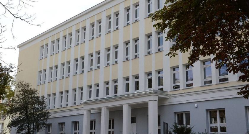Inwestycje, Włocławska poradnia nowym obiekcie Radny Kowalski usterkuje Korpolak Komorowska wyjaśnia - zdjęcie, fotografia