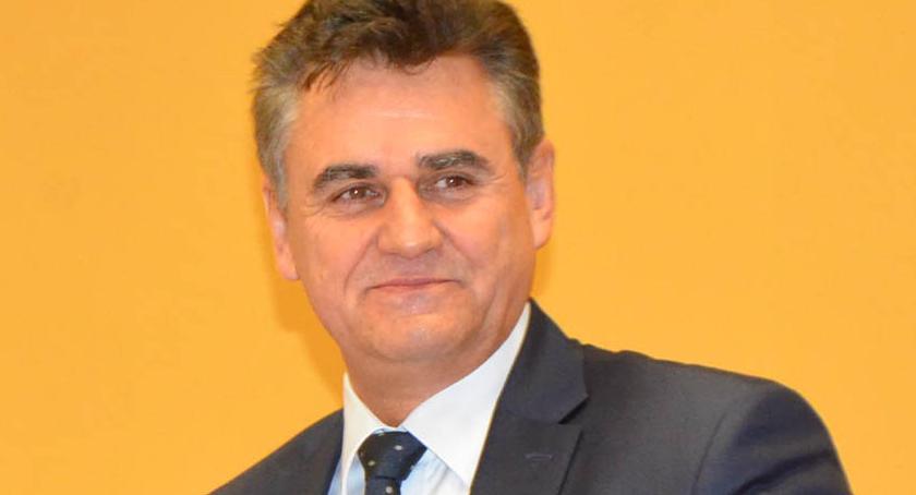 Polityka, Dariusz Wesołowski wspiera niepełnosprawnych Padły mocne słowa jasne deklaracje - zdjęcie, fotografia
