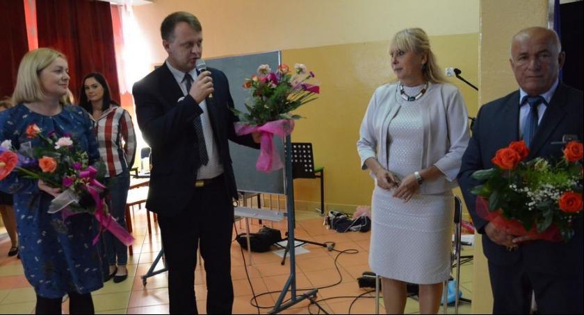 Szkoły podstawowe, Dzień Nauczyciela Lubieniu Kujawskim - zdjęcie, fotografia