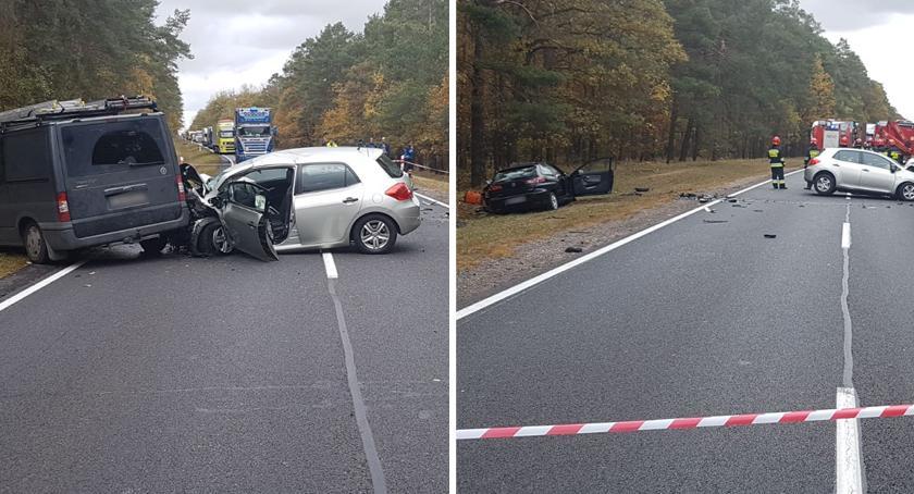 Wypadki drogowe, Tragiczny wypadek Dybowie powiecie toruńskim żyje kierowca seata - zdjęcie, fotografia