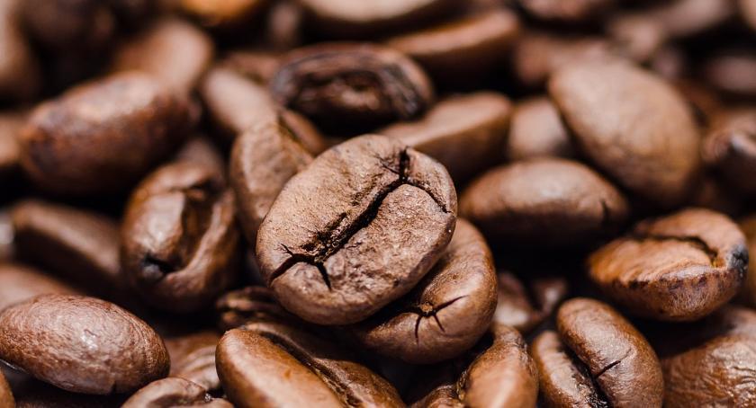 Sprawy kryminalne - kronika, Pościg złodziejem Włocławku Mężczyzna ukradł sklepu kawę - zdjęcie, fotografia