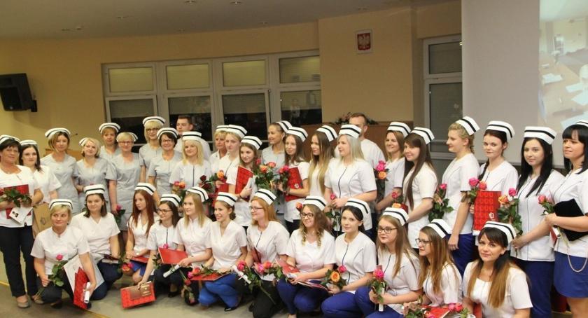 Szkoły wyższe, Czepkowanie pielęgniarek Włocławku - zdjęcie, fotografia